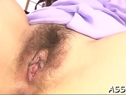 Stretching oriental chick'_s anal canal