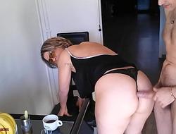 Matriarch who loves hard fucking, a coffee a beautiful hot blonde a blowjob a good ass a good fuck HD.