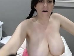 Arab girl showing amazing big confidential xxx cam