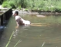 Humping a stone in a river