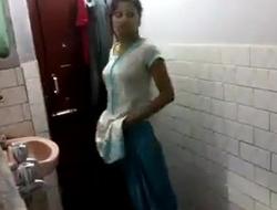 Desi indian wan hotties show body