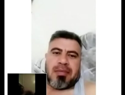 السوري ثامر ابراهيم المحمد بتركيا وهو بينيك يده وبيمارس الجنس ولله عيب