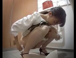 またまた我慢からの天から滝上りお姉さん大都会駅トイレ未流出15