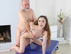 Mature man believes there is one way to get satisfaction yon sex. It is to take everything under his control. Luckily, sweet masseuse is blessed with long hair which he pulls when fucking her.