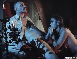 Hot vampire chick gets eaten out and properly fucked