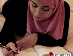 Beautiful Muslim Daughter Ella Knox Enjoys Slanderous Family Coition In Dubai